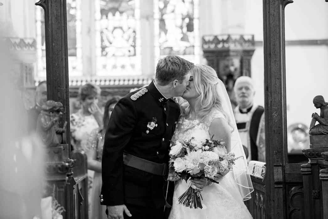 Bradbourne-House-wedding-photographer-charlotte-king-photography (28)