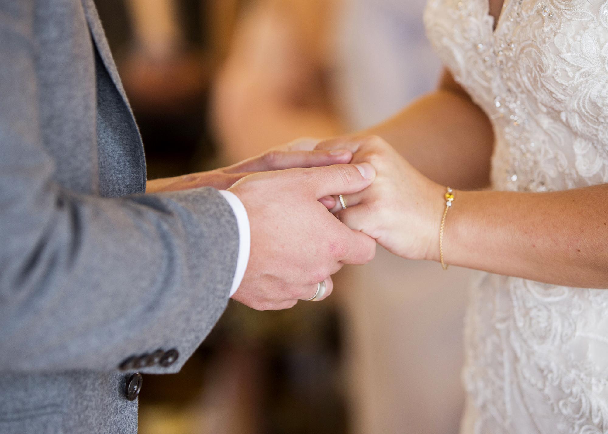Trafalgar-Tavern-Greenwich-Wedding-Charlott-King-Photography (127)