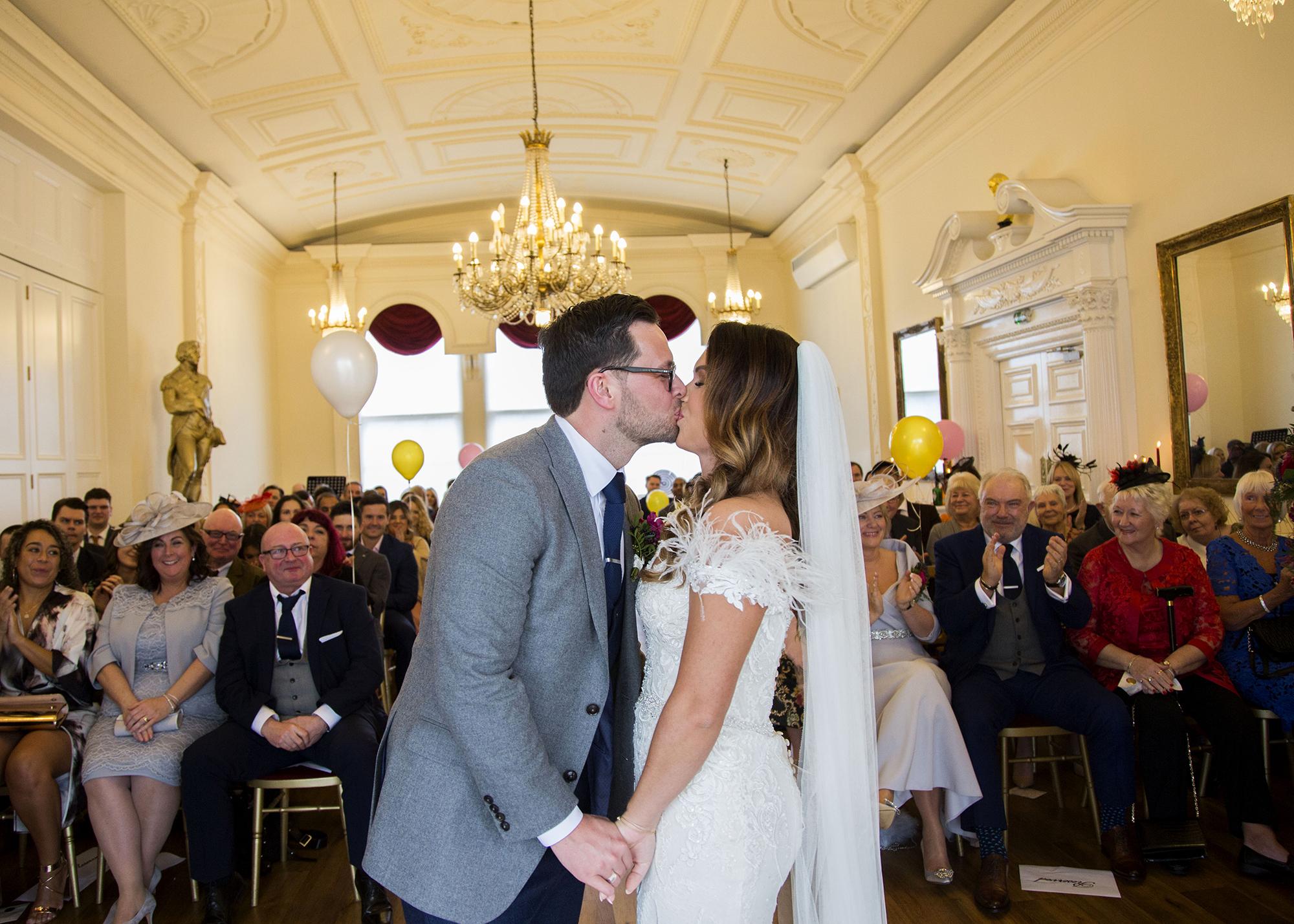 Trafalgar-Tavern-Greenwich-Wedding-Charlott-King-Photography (140)