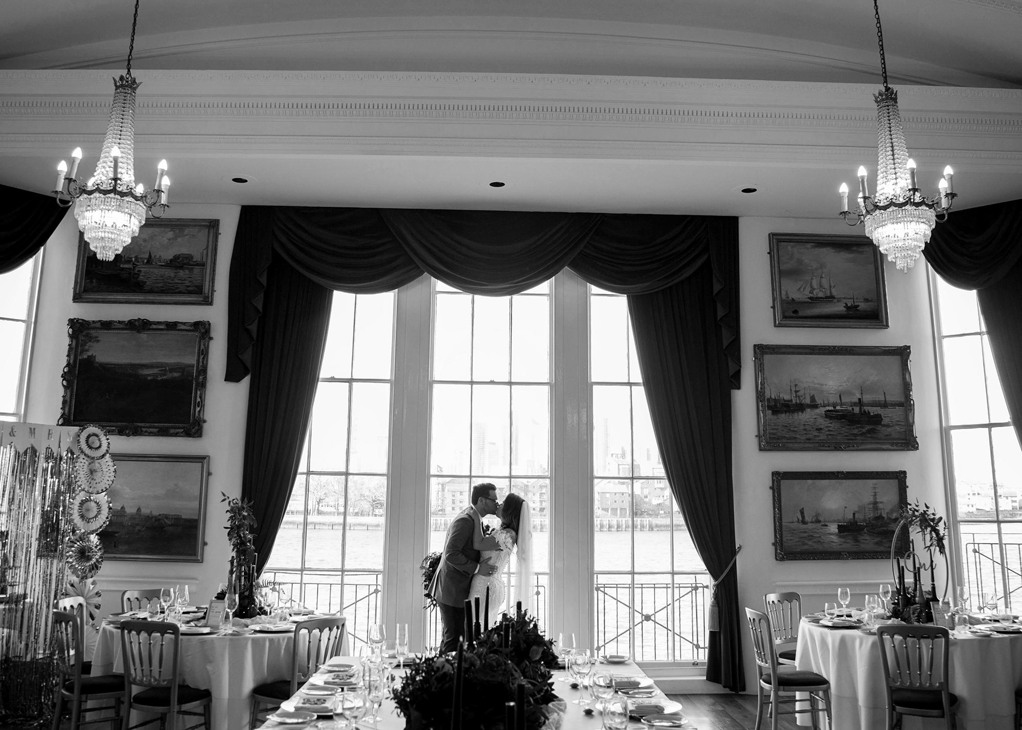 Trafalgar-Tavern-Greenwich-Wedding-Charlott-King-Photography (160)