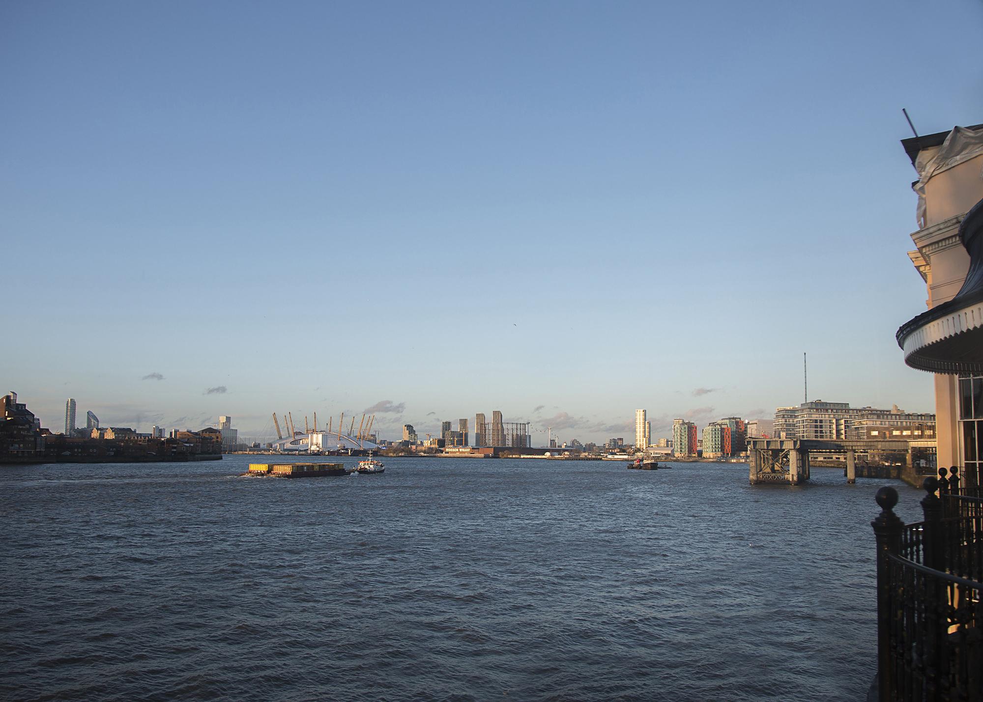Trafalgar-Tavern-Greenwich-Wedding-Charlott-King-Photography (203)