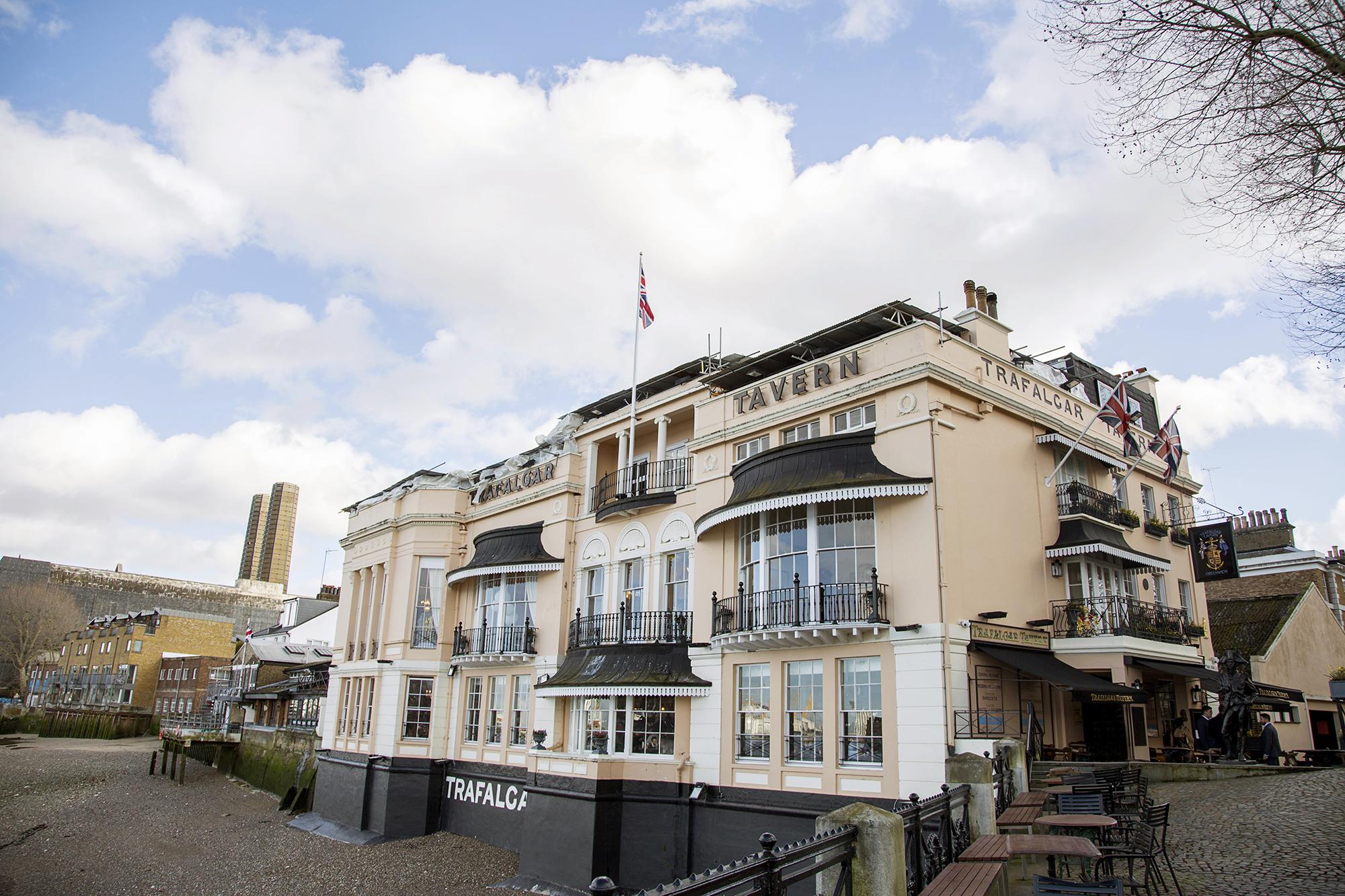 Trafalgar-Tavern-Greenwich-Wedding-Charlott-King-Photography (62)