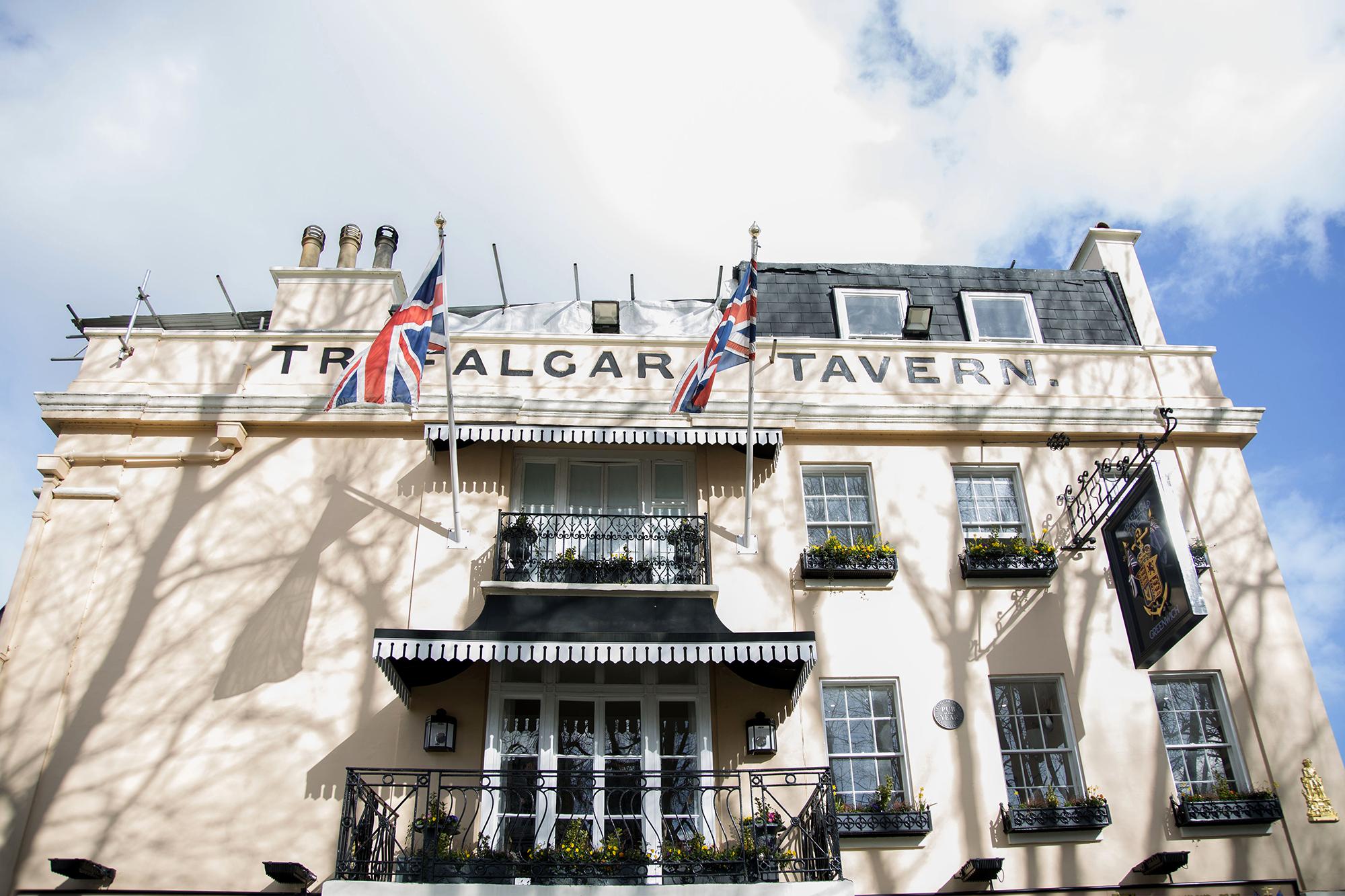 Trafalgar-Tavern-Greenwich-Wedding-Charlott-King-Photography (63)